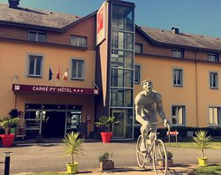 Carre Py' Hotel