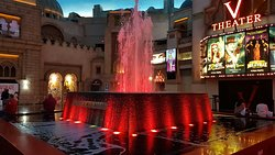 Fountain Show at Miracle Mile Shops
