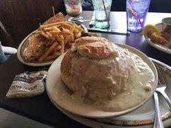 tuna melt and bread bowl clam chowder