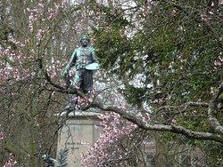 standbeeld Frans Hals door H.Scholtz 1899-1900;florapark