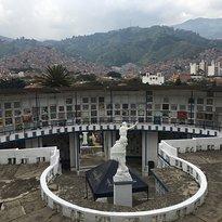Cementerio Parroqial la America
