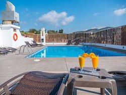 Hotel Checkin Mont-Palau