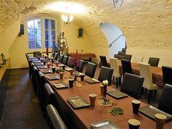 Unser Gewölbekeller ist für Ihre Veranstaltung von 20 bis 35 Person geeignet.en