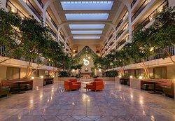 Delta Hotels by Marriott Chicago North Shore Suites
