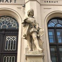 Statue Christopher Columbus