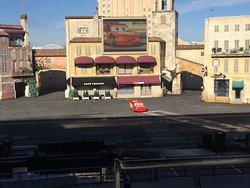 Show de autos y motos en Walt Disney Studios