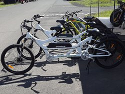 Electric tandems, side