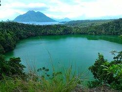 Lake Tolire Besar