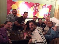Salón de tapeo con grupo de 8 amigos. La Mariseca. Salamanca