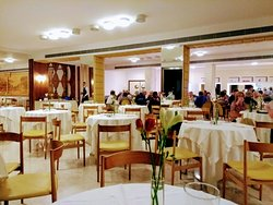 The dining room is very pleasant and airy