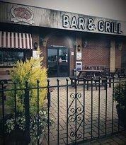 Ti's bar & Grill