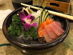 薄薄的生魚片,喜歡海派的生魚片,不建議點