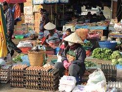 Hmong Sunday Market