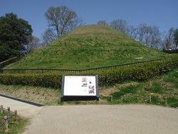 Takamatsuzuka Tomb