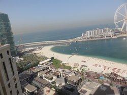 Uitzicht vanaf ons balkon op de 31e verdieping