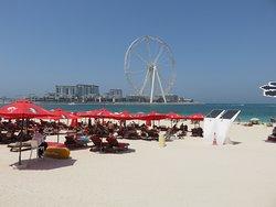 Strand vlakbij hotel