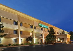 La Quinta Inn & Suites N Little Rock - McCain Mall