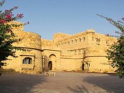 Excellent Luxury 5 stars Hotel in Jaisalmer