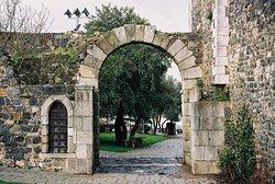 Porta de Evora - Arco romano de Beja