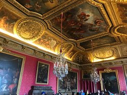 Opulent ceiling in the Kings chambers.