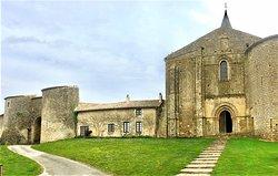 Ruines du Chateau Medieval