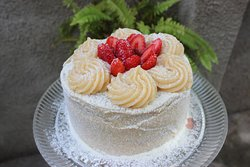 Torta de Ninho com Morango