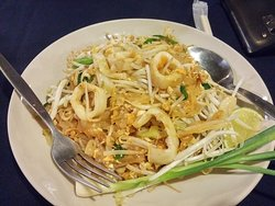 Squid pad thai