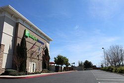 Holiday Inn Express & Suites Napa Valley - American Canyon
