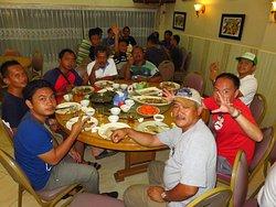 Makan Malam Gathering Kantor