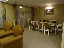 salle à manger et salon attenant