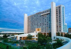Renaissance Schaumburg Convention Center Hotel
