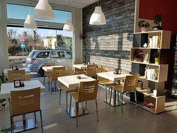 Home Risto Cafe