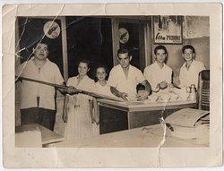 Dal 1937 - La ragazza che sorride è Giovina, con Felice, suo padre. Loro sono la nostra storia.