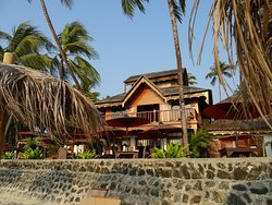 Great hotel on the beach