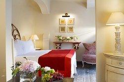 Grand Hotel de Cala Rossa & Spa NUCCA