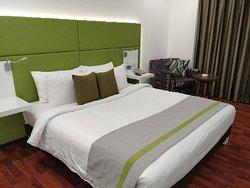 Lemon Tree Hotel Banjara Hills