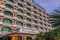 DoubleTree by Hilton Dar es Salaam-Oysterbay