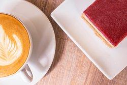 Verschiedene Kuchen und Desserts