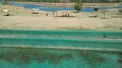 Vista de canales, uno estaba seco. Son de agua dulce, un poco descuidados