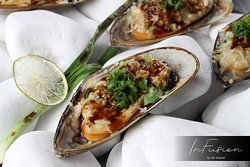 ✔️ The tenderest and most delicious Zelanian mussels are served only at #InFusion!