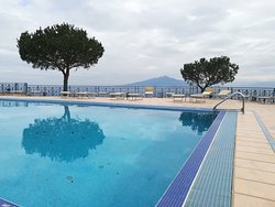 Pool |piscina con affaccio su sorrento