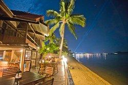 Ad Hoc Beach Cafe