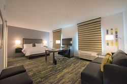 Hampton Inn & Suites Irvine-Orange County Airport