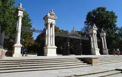 Puerta España