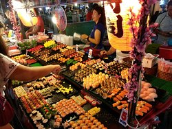 Thepprasit Road Nightmarket