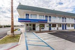 Motel 6 Blythe