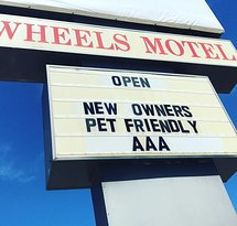 ‪Wheels Motel‬