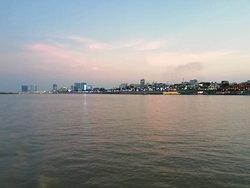 Phnom Penh Urban Adventures
