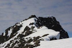 At the top of Mount Rombakstötta