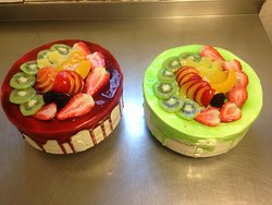 Kiwi & Cherry Glazed Cakes